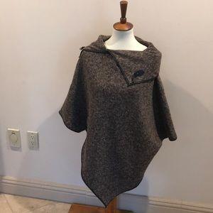 Jackets & Blazers - Sub a pretty cape  (size one size fits all)
